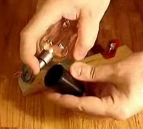 Handmade пушка из пьезы и футляра от пленки