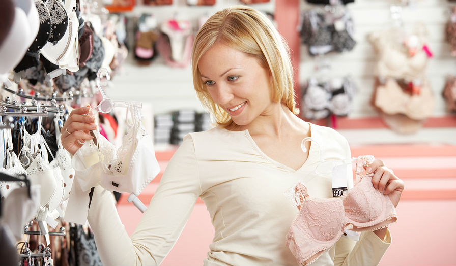 Секс блондинки в магазине